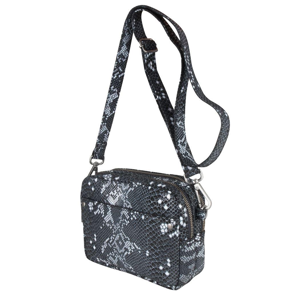 Bag-Bobbie-000107-snakeblackandwhite-15119