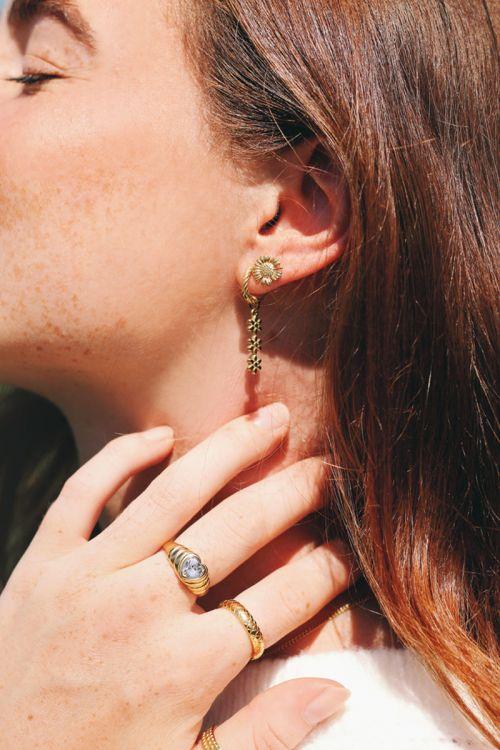 oorbellen drie bloemetjes goudd2